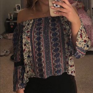 Very pretty off the shoulder top